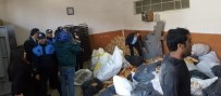 İMALATHANE - Çöpten Çıkarılan Ekmekleri Un Haline Getirip Pasta Yapıyorlardı