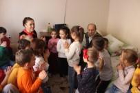 BEYİN KANAMASI - Emekli Felçli Ve Gözleri Görmeyen Öğretmene Vefa Ziyareti