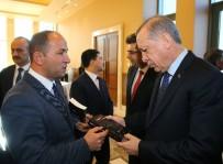 HABER KAMERAMANLARI DERNEĞİ - Kameramanlar Cumhurbaşkanı Erdoğan'a 'Kalkışma'Yı Hediye Etti