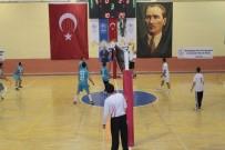 SPOR KOMPLEKSİ - Karaman'da Öğretmenler Günü Voleybol Turnuvası Sona Erdi