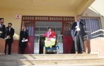 ŞANLIURFA VALİSİ - Öğretmenlerinden Engelli Öğrenciye 'Akü' Takviyesi