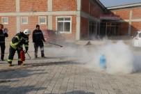 YANGIN TATBİKATI - Turgutlu Aşevi Ve Hayır Merkezi'nde Yangın Tatbikatı
