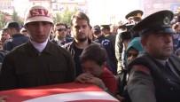 AKDENIZ ÜNIVERSITESI - Antalya Şehidine Ağladı