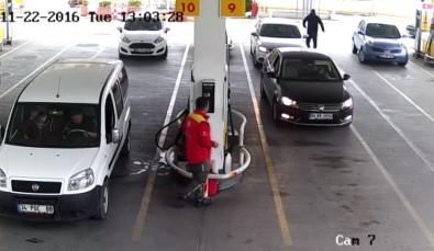 Benzin istasyonunda bir garip kaza