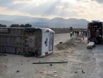 KALAFAT - Futbolcuları taşıyan minibüs, otomobile çarptı: 8 yaralı