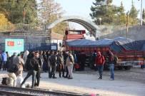 GÜMRÜK KAPISI - Karkamış'ta 63 Yıl Sonra Açılan Sınır Kapısı Kapıkule'yi Aratmıyor