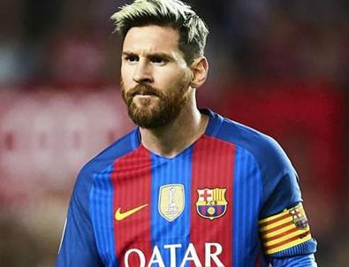 Messi yeni bir rekora imza attı