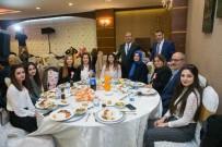 NİRAN ÜNSAL - Öğretmenler, Niran Ünsal Şarkılarıyla Eğlendi