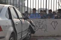 İLKOKUL ÖĞRENCİSİ - Okul Önünde Kaza Dehşeti Açıklaması 3 Yaralı