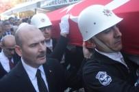 SÜLEYMAN SOYLU - Şehitlerin Cenazesini Bakan Soylu Taşıdı