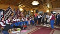 SıRA GECESI  - Van Sıra Gecesi Ekibi, Öğretmenler Gününde Coşturdu
