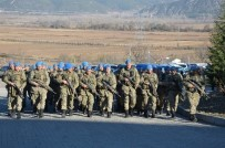 AHMET KAYA - Kahraman Komandolara Niksar'da Davullu-Zurnalı Karşılama