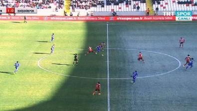 Sivasspor - Eskişehirspor maçında ilginç görüntü!