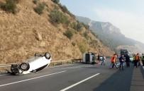 HEREKE - TEM'de Kamyonete Çarpan Otomobil Takla Attı Açıklaması 2 Yaralı