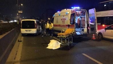 Otomobilin çarptığı anne kız öldü