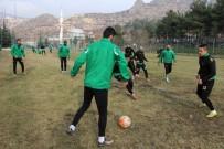 ANKARA DEMIRSPOR - Yeni Amasyaspor, Medipol Başakşehir'e Sürpriz Yapmayı Planlıyor