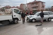 MUSTAFA DEMIR - Bilecik'te Trafik Kazası