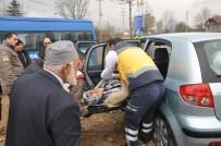 HÜSEYIN DEMIR - Cenaze Yolunda Kaza Açıklaması 4 Yaralı