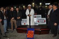 KARGO UÇAĞI - Çiftçiler Domatesin Cenazesini Kaldırdı