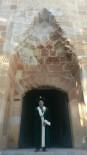 ERTUĞRUL GAZI - 'Diriliş Ertuğrul'dan Etkilendi Türbe Gezisine Çıktı