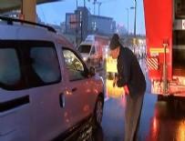 ŞIRINEVLER - E-5 trafiğini felç etti, sürücülerden sigara istedi