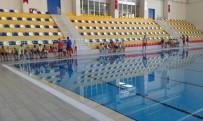 YÜZME - Hatay Büyükşehir Belediyesi Yaşam Merkezi'nde Ücretsiz Yüzme Kursu