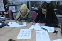 Karakalem Eğitimleri Gençlerden Büyük İlgi Görüyor