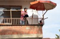 ÇıNARLıK - Mahkeme Kararına Kızınca Evi Yakmaya Kalkıştı
