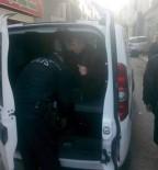 PAZARCI ESNAFI - Pazara Dadanan Kalpazanı Pazarcılar Yakaladı