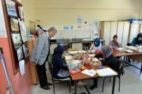 EL EMEĞİ GÖZ NURU - Polat Yeşilyurt Halk Eğitim Merkezini Ziyaret Etti
