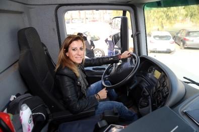 Rockçı değil çöp kamyonu şoförü!