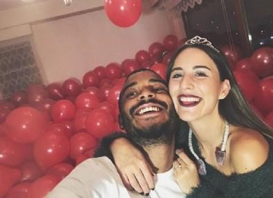 Survivor Efecan'dan Duygu Çavdar'a evlilik teklifi