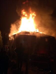 Adana'da Kız Öğrenci Yurdunda Yangın: 13 Öğrenci Yaralı