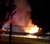 ANTALYASPOR - Antalya'da Zincirleme Kaza Açıklaması 1 Araç Alev Alev Yandı