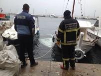 ŞİDDETLİ YAĞIŞ - Balıkesir'de Kaymakamlık Teknesi Denize Gömüldü