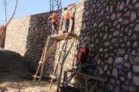 ESENTEPE - Elazığ Belediyesi'nden 30 Ayda 43 Bin Metre Kare Taş Duvar