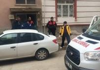 ŞEHİT YÜZBAŞI - Evine Benzin Döktü, Facia Yaşanmadan Polis Müdahale Etti