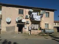 ÜNAL KOÇ - Gercüş'teki Belediye Lojmanları Yıkım İçin Boşaltılıyor