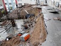 KAZIM ÖZALP - İzmir'de sağanak nedeniyle göçük meydana geldi