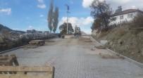 ŞEBEKE HATTI - Manisa Büyükşehir'den Beğenler'e Kilit Parke Taşı