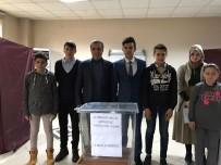 ÖĞRENCİ MECLİSİ - Meclisi Başkanına İlk Tebrik Başkan Akcan'dan