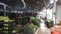 PAZARCI ESNAFI - Pazarcılar Halde Eylem Yaptı, Bursa'da Pazarlara Meyve Ve Sebze Gidemedi