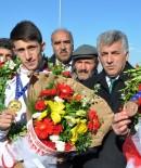 ST PETERSBURG - Polat, Milli Sporcuları Kutladı