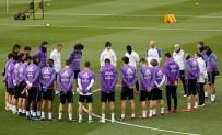 ZIDANE - Real Madrid'den Chapecoense için saygı duruşu