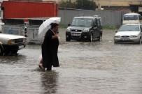 SAĞANAK YAĞIŞ - Sağanak Yağış Tüm Yurtta Etkili Oldu