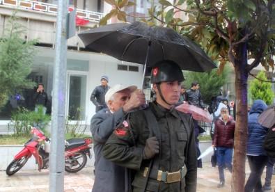 Vatandaş askerine böyle sahip çıktı