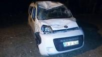 MUZAFFER DEMİREL - Yozgat'ta Trafik Kazası Açıklaması 2 Yaralı