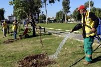 YÜKSEL MUTLU - Akdeniz Belediyesi, Parkları Yenilemeye Devam Ediyor