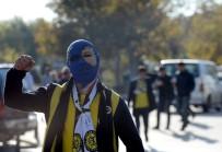 MANCHESTER - Fenerbahçe Taraftarları Kadıköy Yolunda