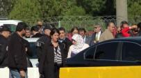 PERVIN BULDAN - Kandıra'ya Ziyarete Giden HDP'lileri Polis Geri Çevirdi